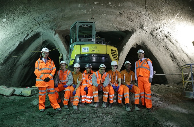 TR14_Fig 05 Crossrail Apprentices.jpg