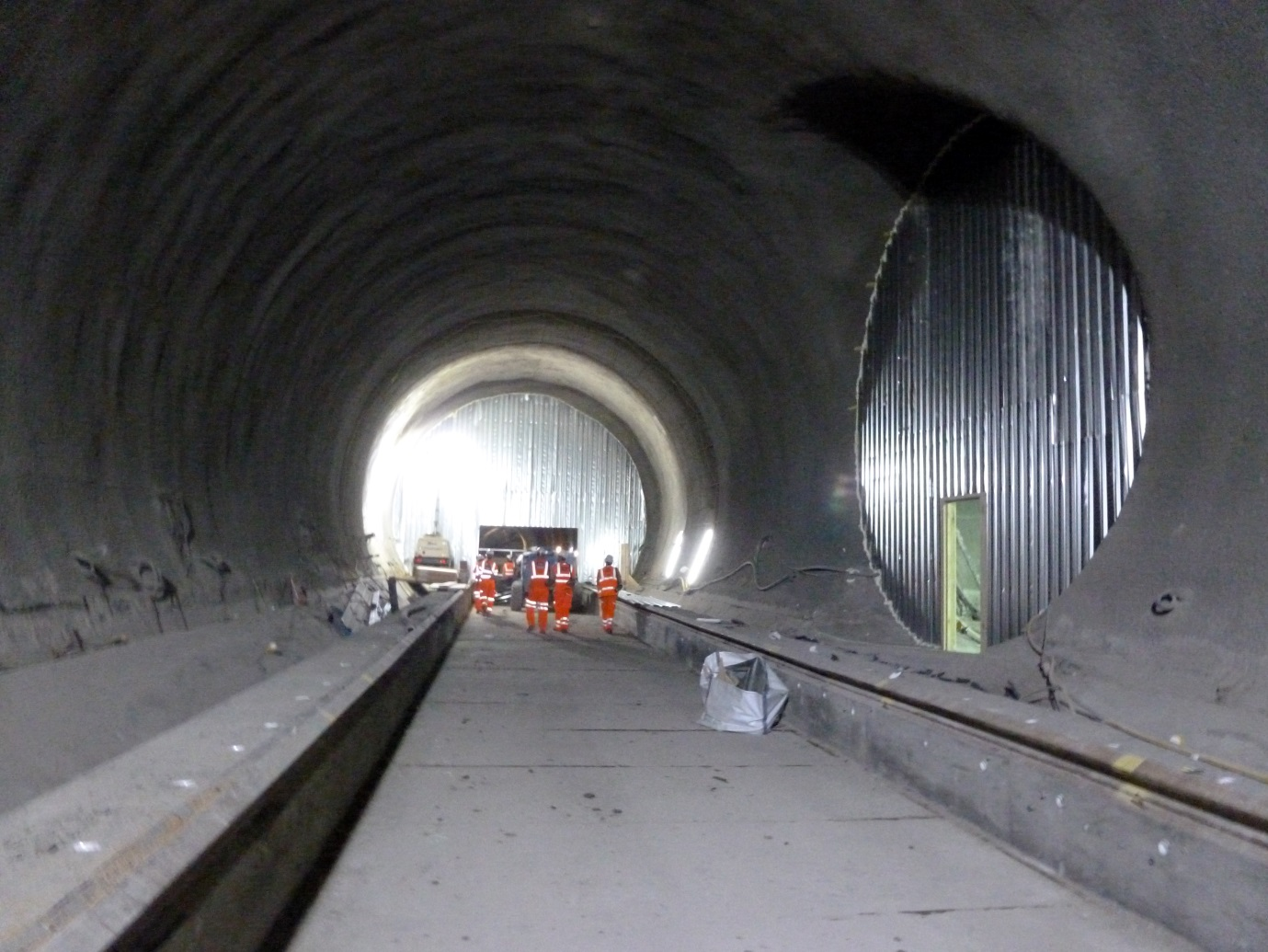 Figure 4.8 - Temporary Bulkheads for Ventilation Tunnel Ventilation