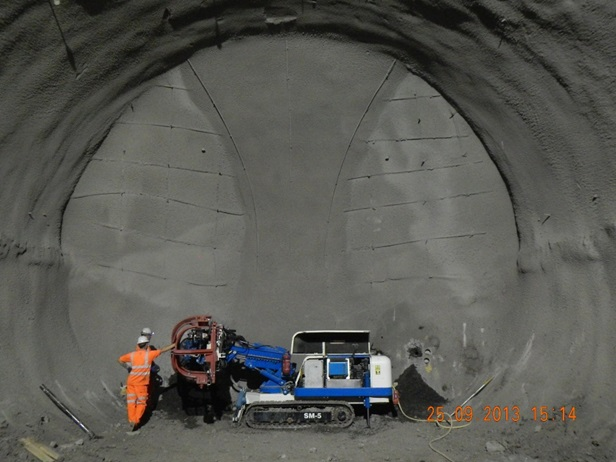 Figure 8 - probing ahead for the Westbound Cavern at Whitechapel Station.